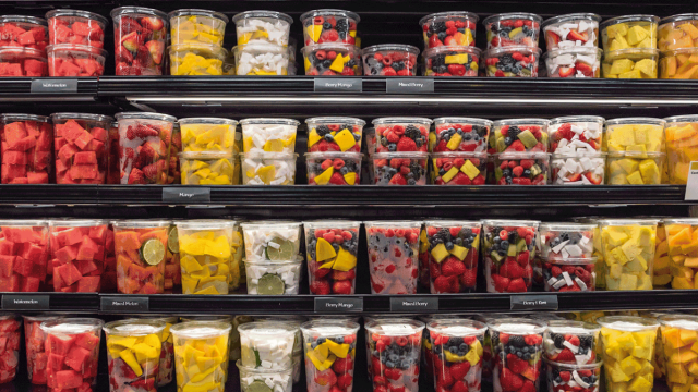 Image showing mixed fruit in containers